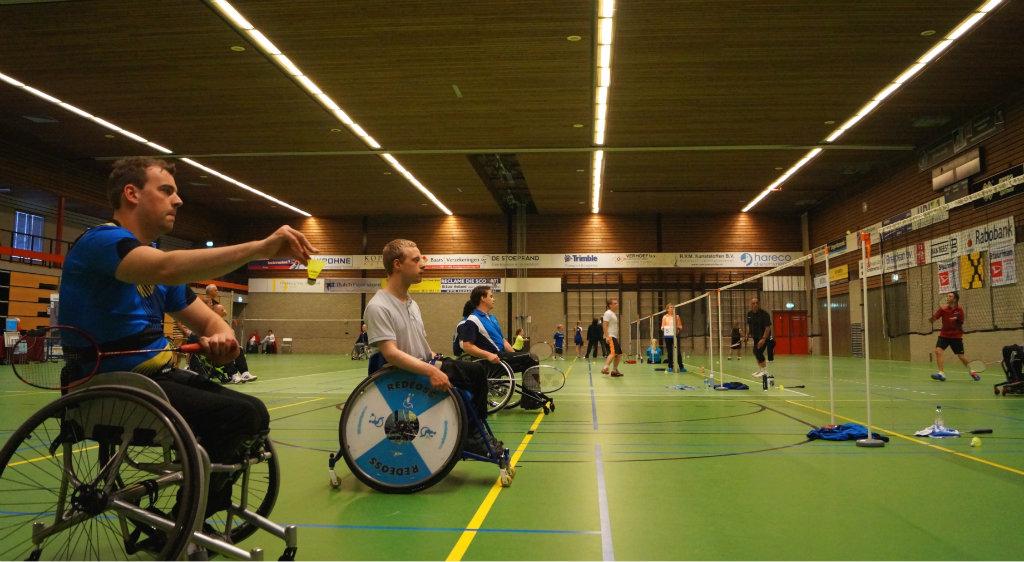 Aangepast badminton