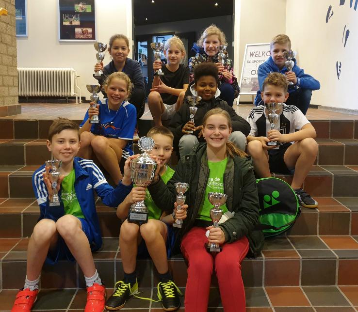 Anne de Vriesschool wint het SchoolBadmintonToernooi!